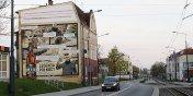 Specjal(ny) mural powstał na budynku przy Browarnej.  Przedstawia historię o złocie z Elbląga