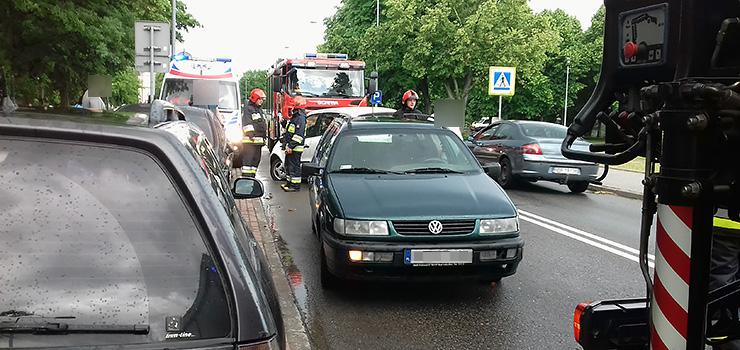 Kolizja na ulicy Mickiewicza. Kobieta zasłabła za kierownicą?