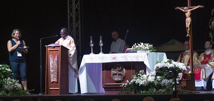 Charyzmatyczny kaznodzieja z Ugandy z wizytą w Elblągu. Rekolekcje z o. Johnem Bashobora