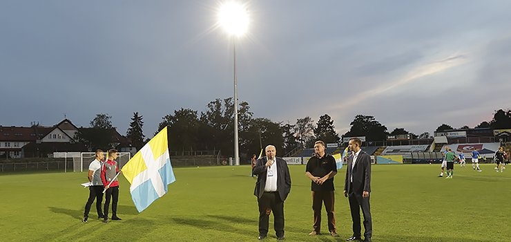1,6 miliona rozjaśniło murawę stadionu przy Agrykola. Pierwszy mecz przy sztucznym oświetleniu za nami