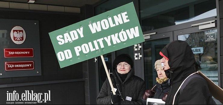 """Grupa elblążan skierowała apel do sędziów """"Nie bójcie się być wolnymi sędziami!"""""""