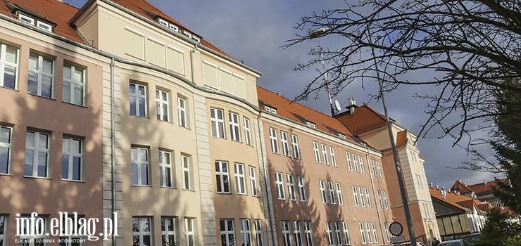 W dawnej siedzibie III LO miały powstać mieszkania. Teraz inwestycja stoi pod znakiem zapytania