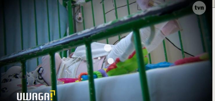 Trzymiesięczny chłopiec trafił do szpitala z pękniętą żuchwą, czaszką, połamanymi rękami i nogami -zobacz reportaż UWAGI