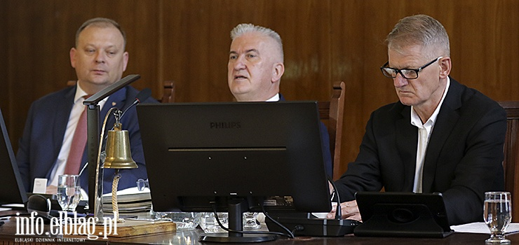 Sesja z kampanią wyborczą w tle. Radni zaapelowali do premiera o rekompensatę