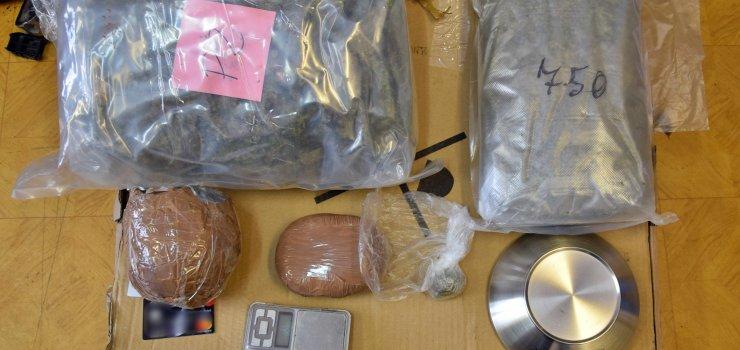 W mieszkaniu podejrzanego policjanci znaleźli 3 kg narkotyków