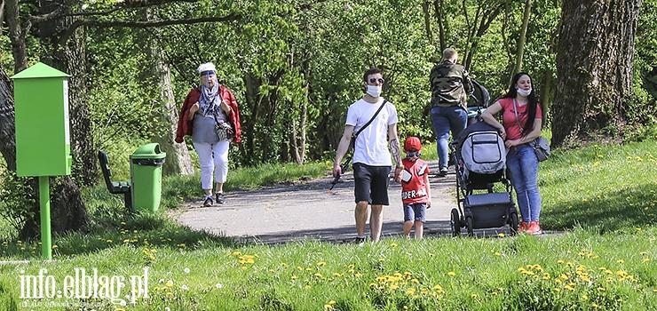 Od jutra elblążanie bedą mogli spacerować po parkach bez maseczek!