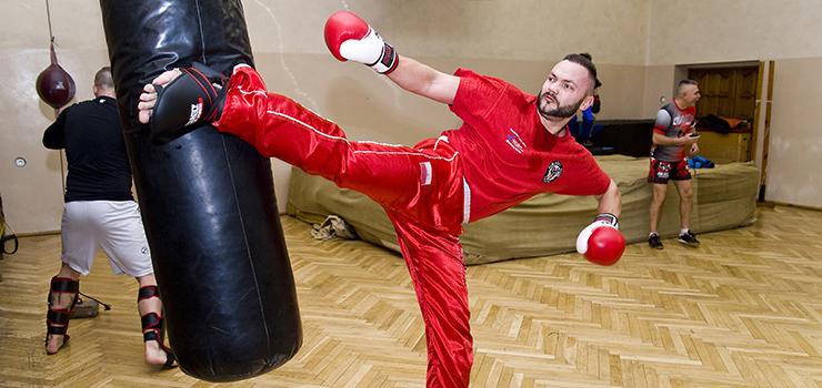 Brązowy medal w Mistrzostwach Polski w Kickboxingu dla funkcjonariusza z Elbląga