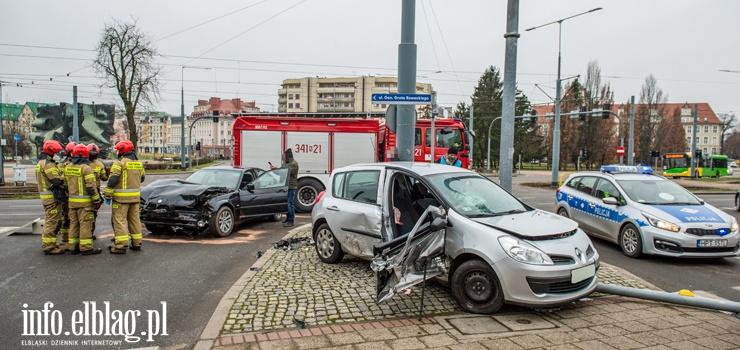 Uwaga kierowcy! W pogodne dni więcej wypadków