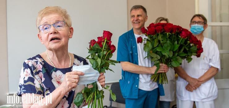 """""""Kierowałam się sercem"""". Dr Ewa Miłosz przeszła na emeryturę po 50 latach pracy w szpitalu"""
