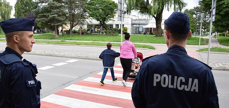 Elbląg: Policjanci na przejściach dla pieszych przy szkołach