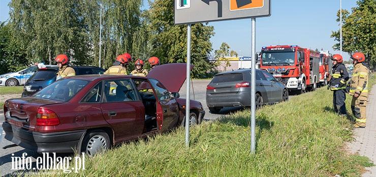 Kolizja trzech aut na Warszawskiej. Sprawca zbiegł z miejsca zdarzenia