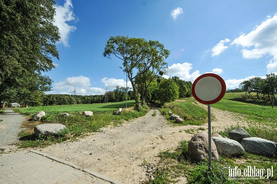 Remont brukowanej drogi w Ba�antarni