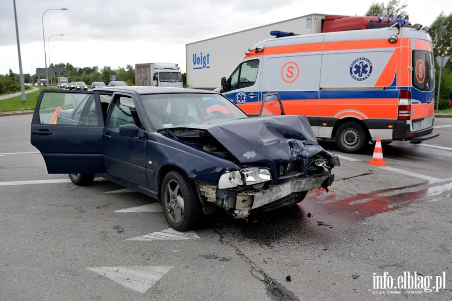 Wypadek przed mostem Unii Europejskiej. Dwie osoby ranne