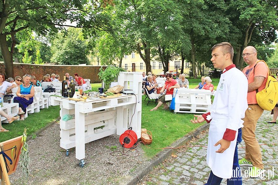 Elblascy seniorzy poznawali tajniki kuchni melekularnej