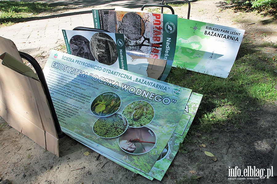 Nowe tablice edukacyjne w Bazantarnii