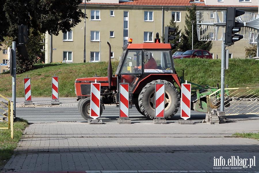 Roboty drogowe plk D�bka Obronc�w Pokoju