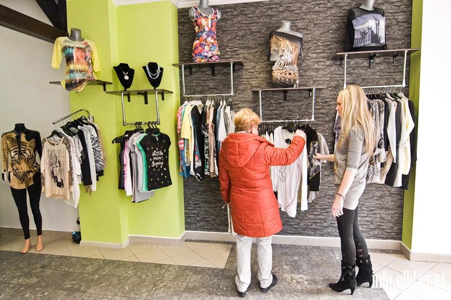 b0efbd06 Zdjęcia: Otwarcie nowego sklepu z odzieżą damską , Fot. 1 - info ...